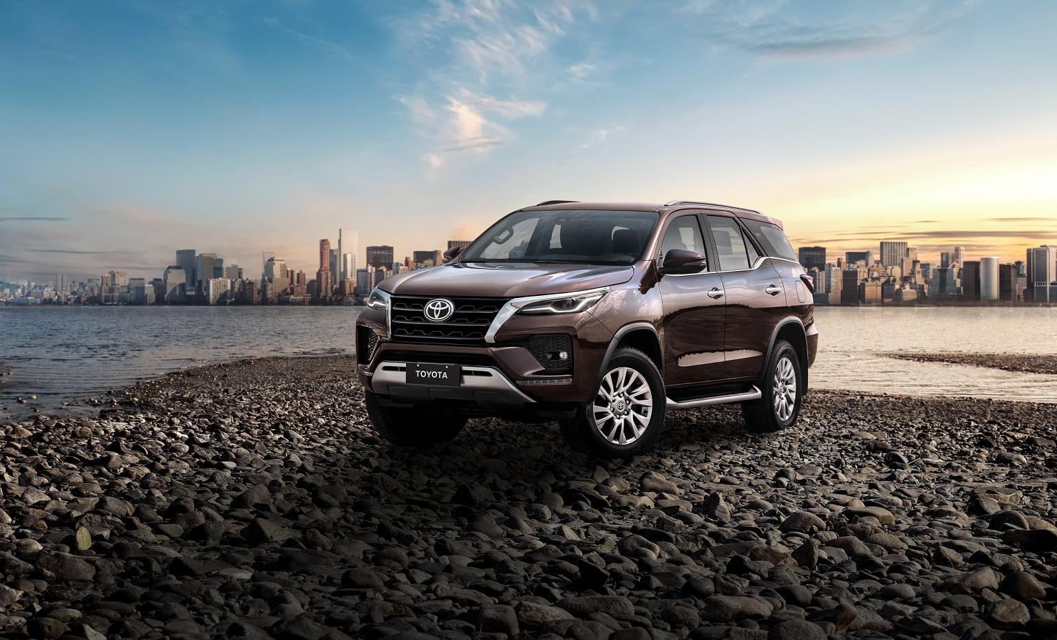 https://www.toyotacomunica.com.br/wp-content/uploads/2020/11/1_SW4_2021.png